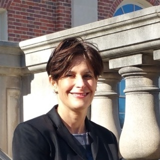 Lynn Norton