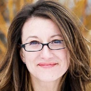 Juliane Lore
