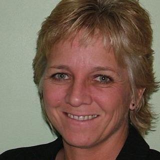 Lynn Holdsworth