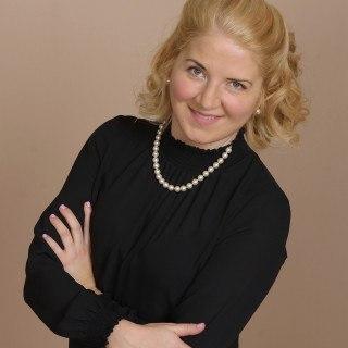 Angela Dows