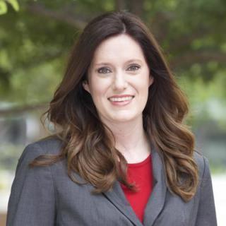 Lindsay M Kinzie