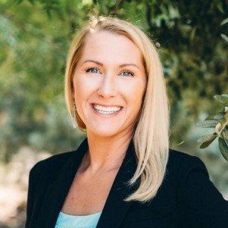Lauren Armstrong