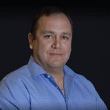 Juan R Zamora