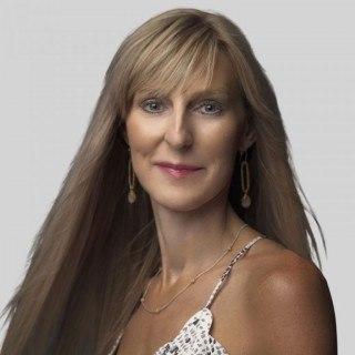 Emily M W Roark