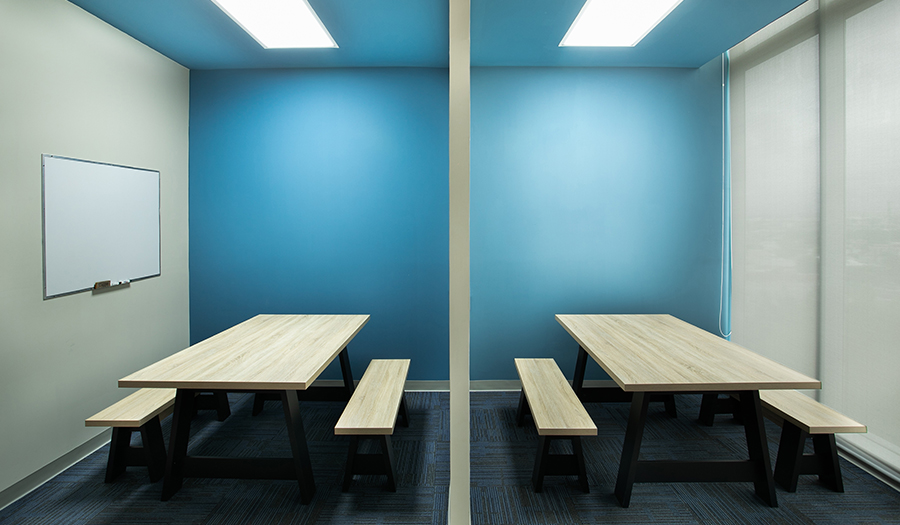 Justia Offices - Open conference rooms